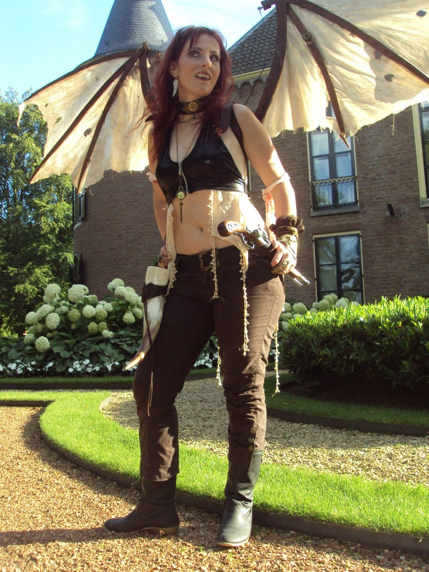 sexy_steampunk_vampire_by_lindyvdbosch-d5wmjwr